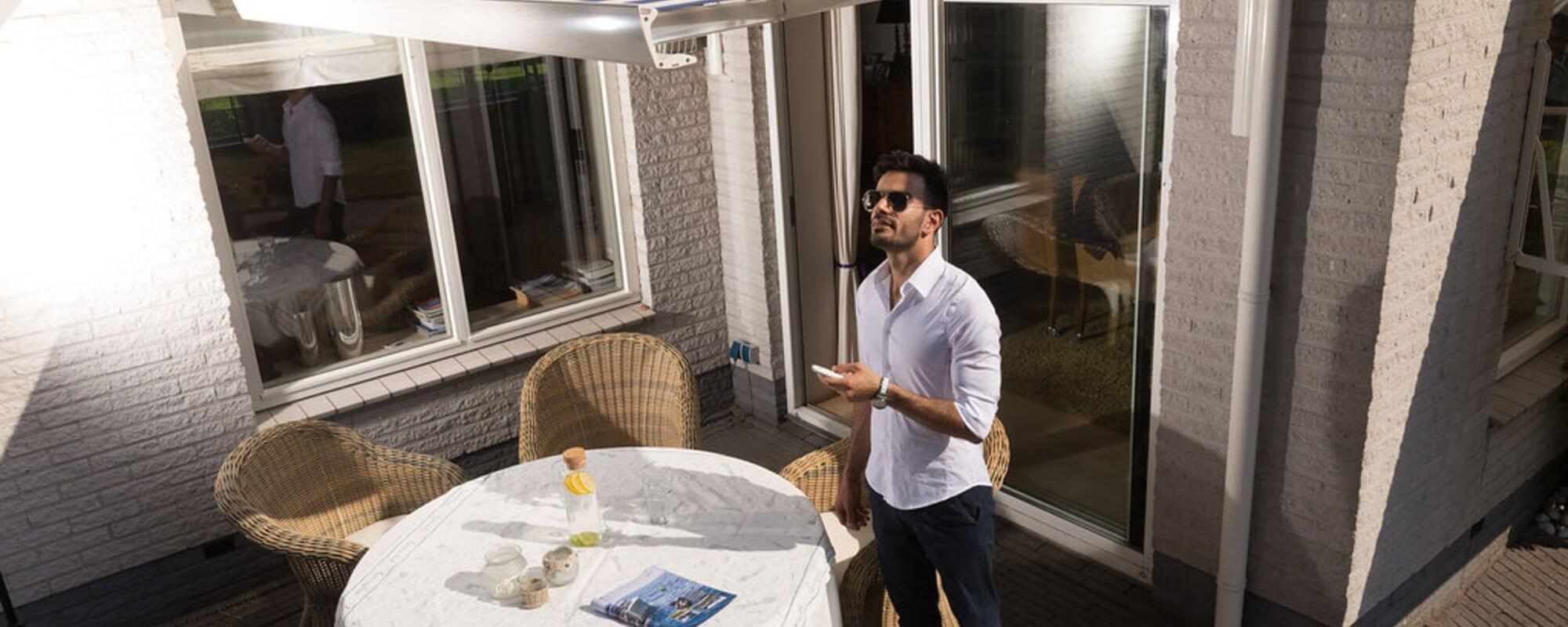 Zonwering schoonmaken: waarom, wanneer en hoe?